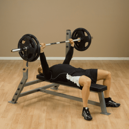 bench-press met olympische halter
